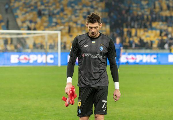 Известный вратарь футбольного клуба «Динамо» перенес операцию на позвоночнике
